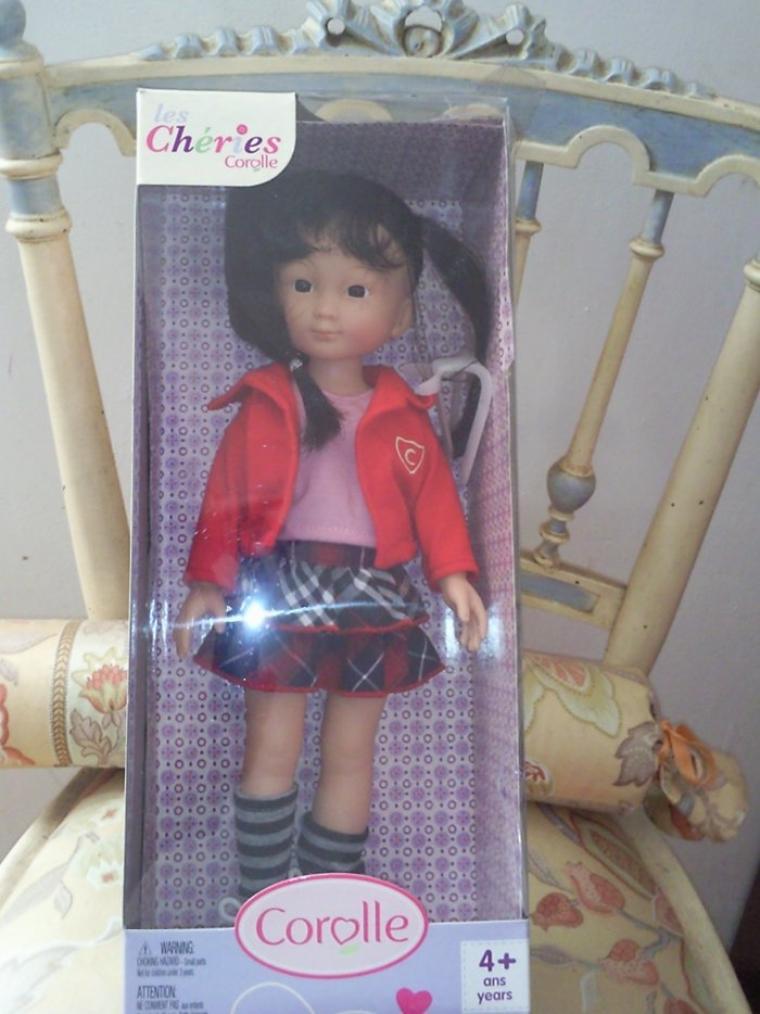 Le père Noel est passé. merci Martine (la poupée ne s'affichait pas???)