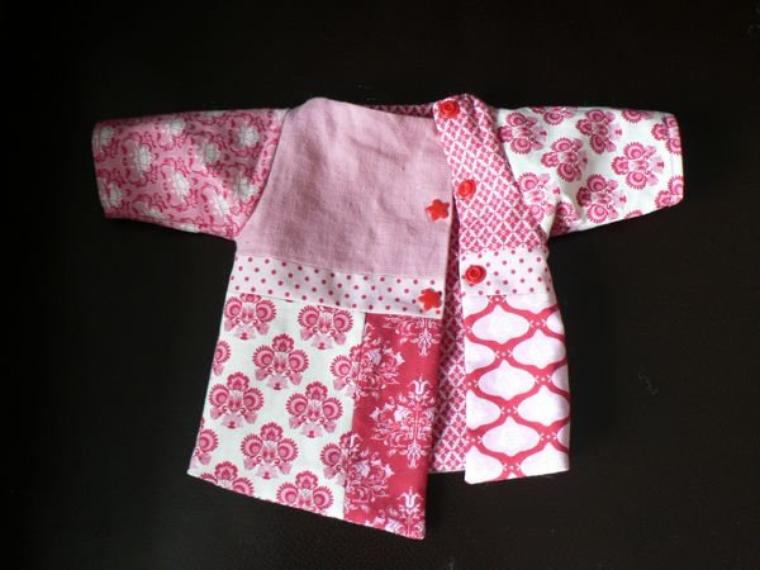 Tuto pour coudre un manteau patch pour poupée de 38 à 42 cm.