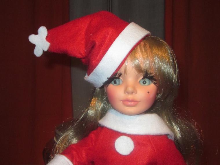De la documentation sur les poupées Furga avec des photos des catalogues