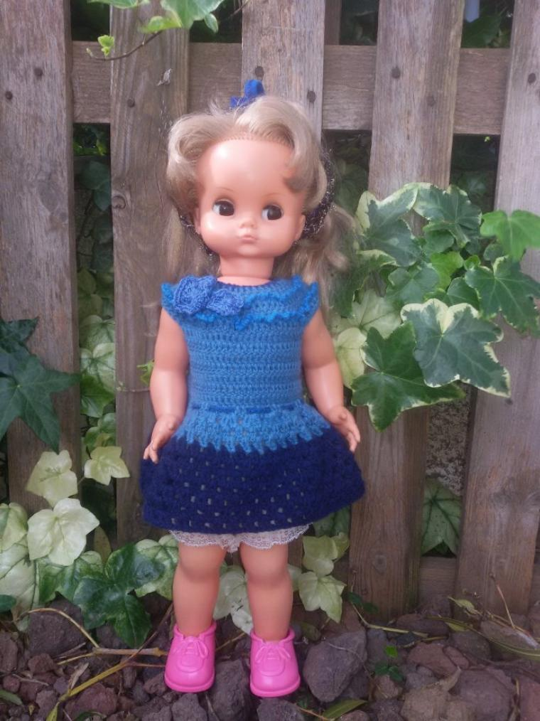 Clara voit la vie en bleu.