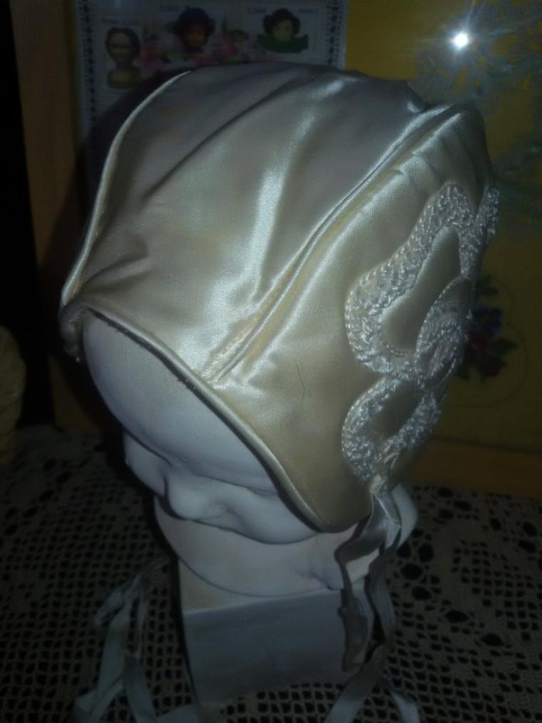 Un ravissant bonnet ancien, collection perso.