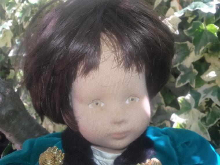 La poupée a été identifiée comme une poupée Glorex, et voici  un peu d'histoire de cette entreprise.