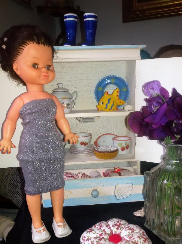 Brigitte nous a préparé le café et  nous fait découvrir son petit buffet. 5 photos.