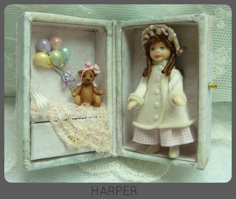 A la recherche d'idées pour compléter ma petite malle de poupée, j'ai  aussi trouvé...