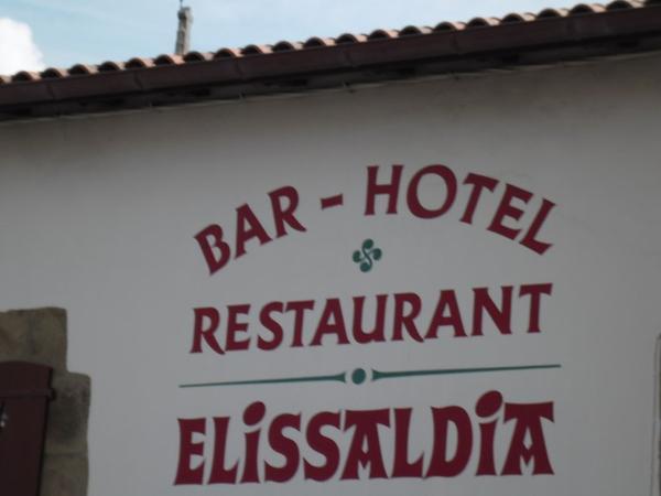 VENEZ VENTE DE CADAVRE ET TRANSACTIONS VUE SUR HOTEL ET CIMETIERE