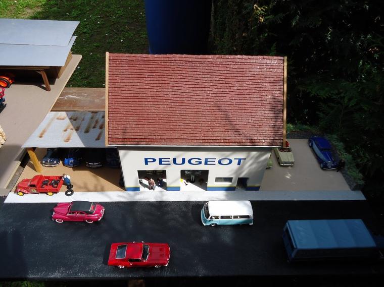 Le garage peugeot bienvenue sur mon blog dioramas 1 43 for Garage peugeot gonneville sur honfleur