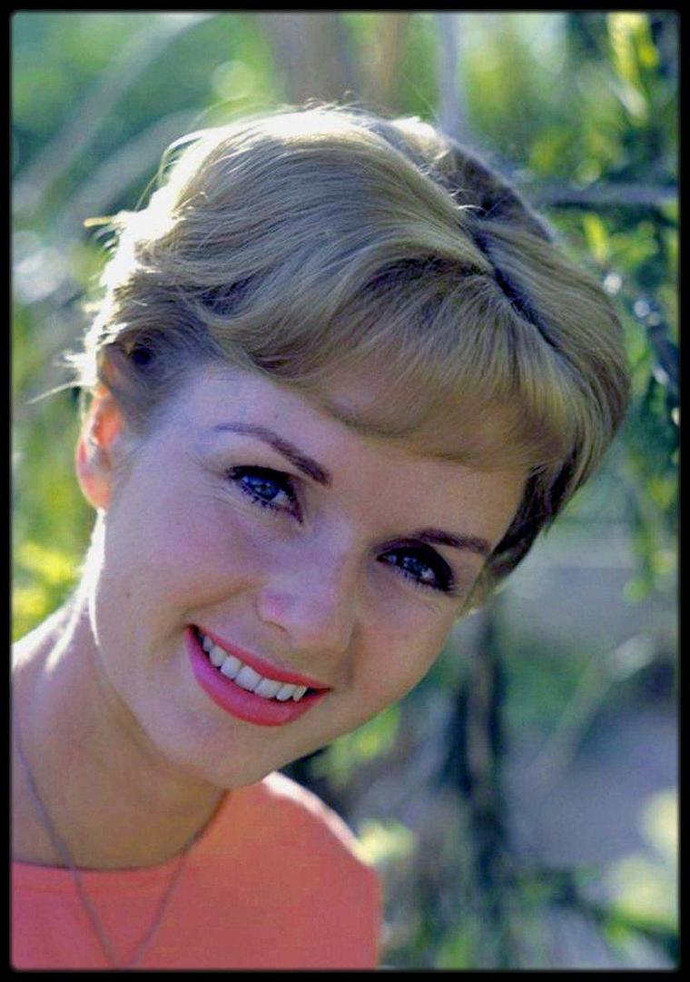 (1960) Debbie REYNOLDS by Richard C MILLER