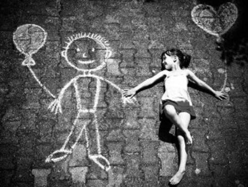 La seule arme des enfants contre le monde, c'est l'imaginaire.