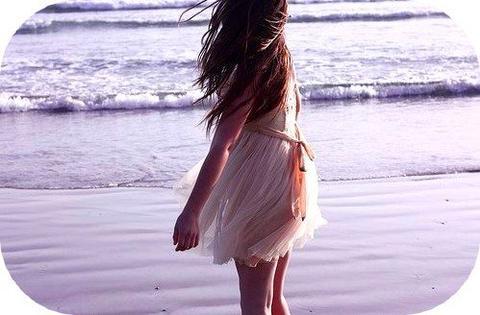 Dis moi pourquoi quand tu me laisses moi je t'espère Dis moi pourquoi je ne vis plus si je te perds...