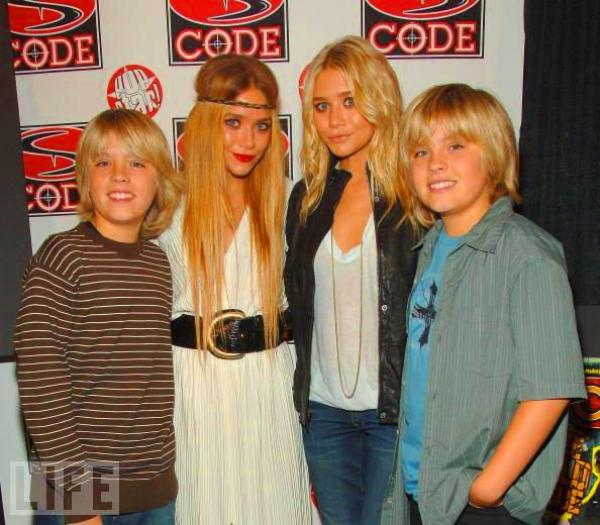 The Twins, Olsen (l) Nos miss qui travaillent avec Dylan et Cole Sprouse !! (l)(l)