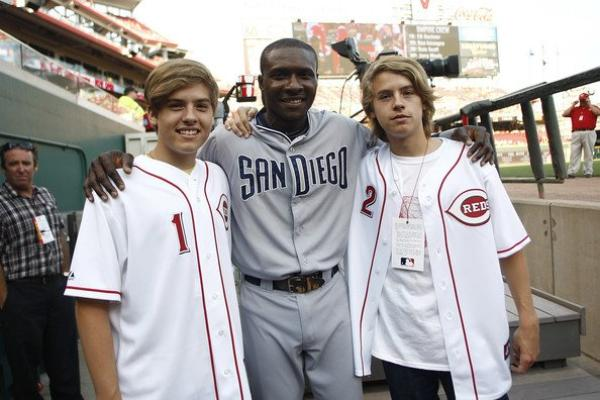 In This Photo: Orlando Hudson, Dylan Sprouse, Cole Sprouse : )