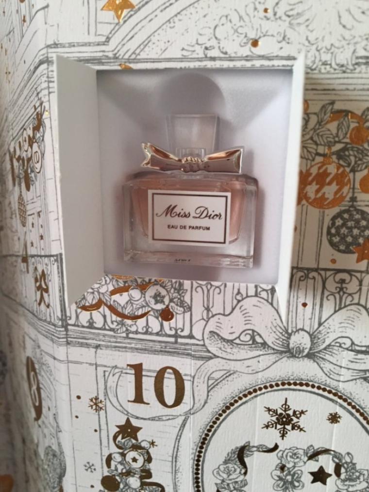 Calendrier De Lavant Dior.Dior Calendrier De L Avent 2017 Case N 1 Blog De