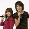 Joe Jonas &é Demi Lovato    Sa pourrait en decevoir certaine et en rejouir d'autre ....  Joe Jonas, le membres des Jonas Brothers et Demi Lovato la jeune chanteuse et actrice ont prevus de passé des vacance tout les deux. Et oui, Jemi... Pas si rumeurs que sa ?