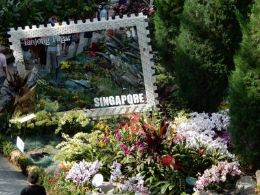 #29 - Touristing with the girls & Gardens by the Bay