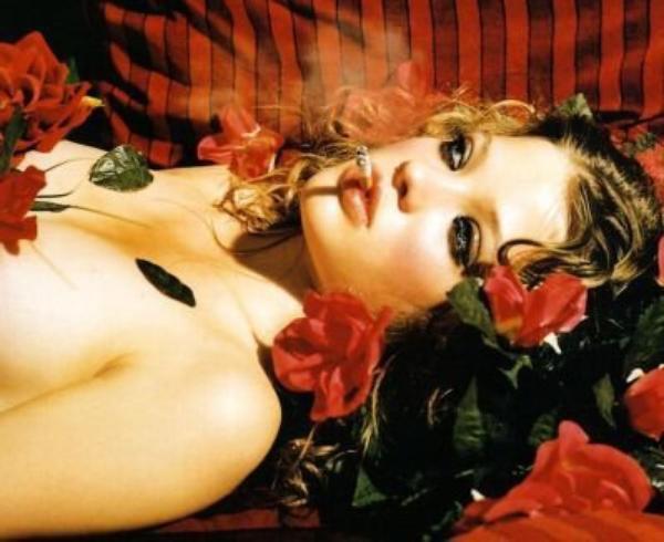 Beauté Au Milieu Des Roses
