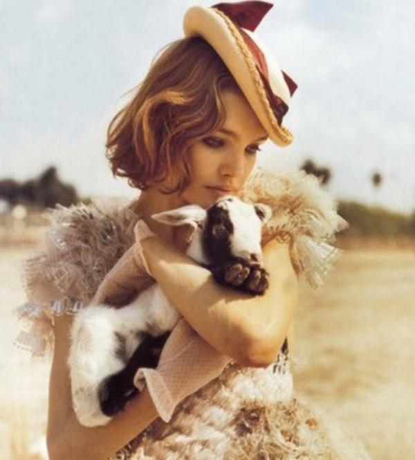 """Tendre Natalia Vodianova ...Qui Va Incarner Ariane dans """"Belle du Seigneur"""" au coté de Jonathan Rhys-Meyers !!"""