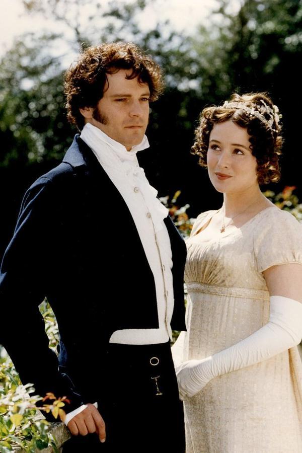"""Une très bonne adaptation de ce roman caustique, intelligent et tendre qu'est le """"Orgueil et Préjugés"""" de Jane Austen ! Par contre, je suis sans doute l'une des rares personnes que M. Darcy ne fasse pas fantasmer...:$"""