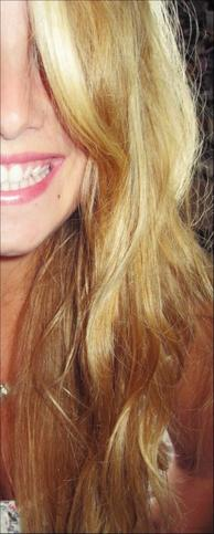 Je me ferais pousser des fleurs dans mes cheveux...J'me ferais belle à t'en crever les yeux ! ♥