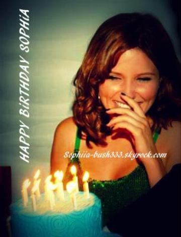 Happy Birthday Sophia <== 8 Juillet 2013 & Bientôt les 3 ans du BLOG <== 22 Août 2013 & 10 ans de la première diffusion des frères Scott <== 23 Septembre 2013