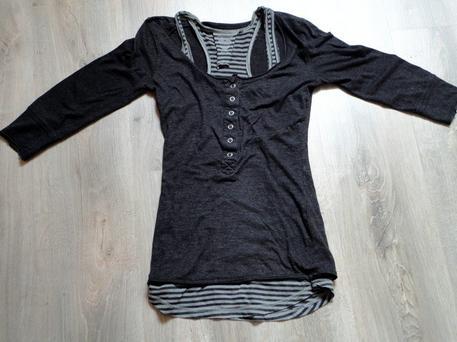 Tee shirt à manches trois quart gris - Taille S - Propose ton prix