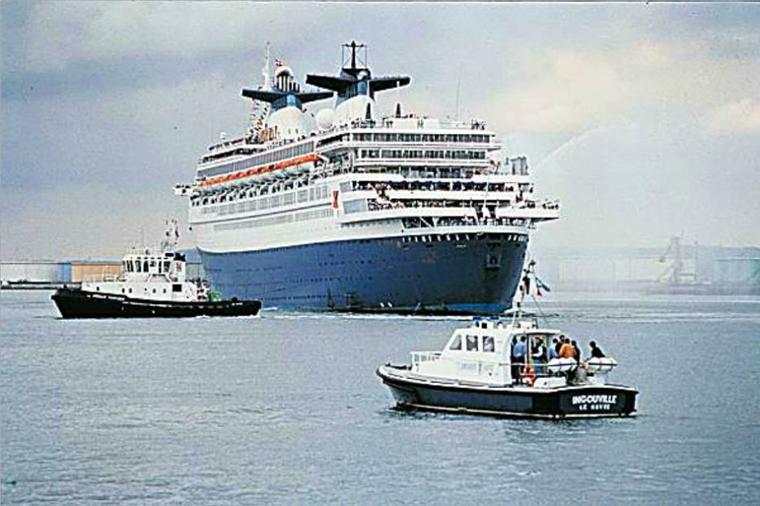 SS NORWAY   le retour au Havre septembre 1996