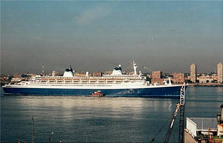 SS NORWAY à New York : arrivée de Miami et départ vers Le Havre 03 septembre 1996