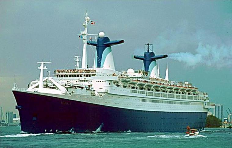 ss NORWAY quitte Miami fin des années 80