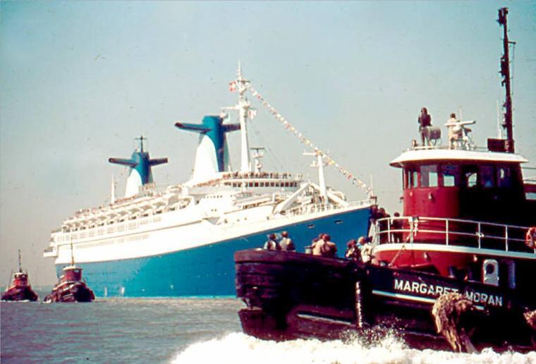 ss NORWAY 1980 - Escale inaugurale - New York  mai 1980