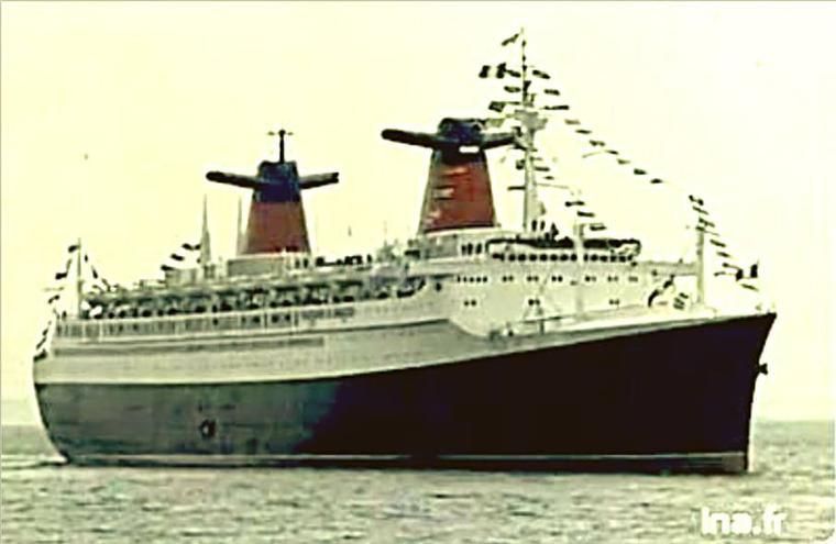 paquebot FRANCE : 8 février 1962 - arrivée inaugurale dans le port de New-York (2)