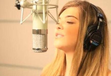 """Le clip officiel """"Me voici"""" ! ♥"""