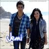 . « Demi n'était pas seule à aller vers les baisers. Joe la poussait à l'embrasser. » .