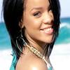 Rihanna (l)