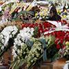 L'Italie enterre ses victimes.