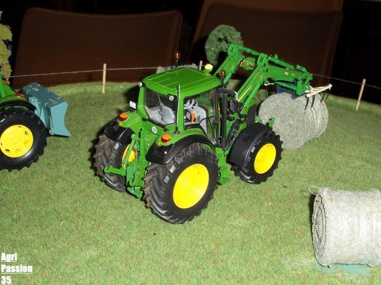 Exposition De Miniatures Agricoles & Tp : Tinchebray 4 Décembre 2011 Les John Deere !