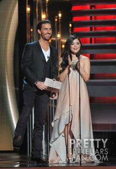 Lucy aux CMA Awards, Nashville