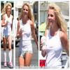 Le o1 juillet, Britney au Starbucks.