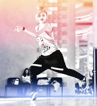 Beth Elara Juice, 17 ans, danse.