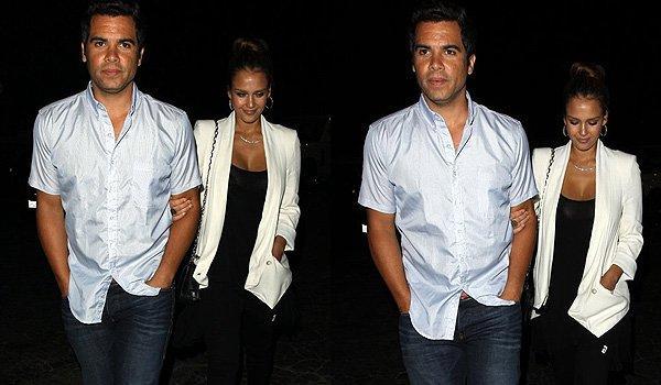 Jessica Alba et Cash Warren quittant le restaurant de Matsuhisa à West Hollywood