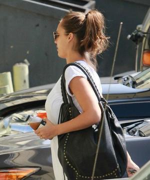 Jessica se rendant a son cours de gym