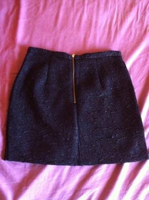 Jupe noire h&m taille 36 (réservée à frippe-frippees2)