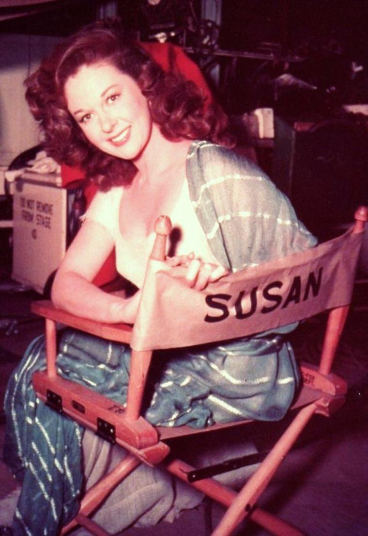 Susan HAYWARD, de son vrai nom Edythe MARRENNER, est une actrice américaine née le 30 juin 1917 à Brooklyn, New York, États-Unis et décédée le 14 mars 1975 à Hollywood, Californie.