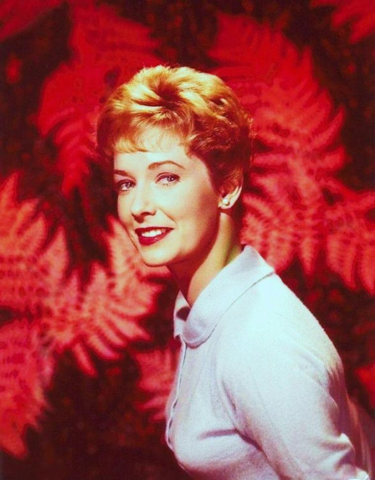 Vera MILES, née Vera RALSTON, le 23 août 1930 à Boise City dans l'Oklahoma aux États-Unis, est une actrice américaine.