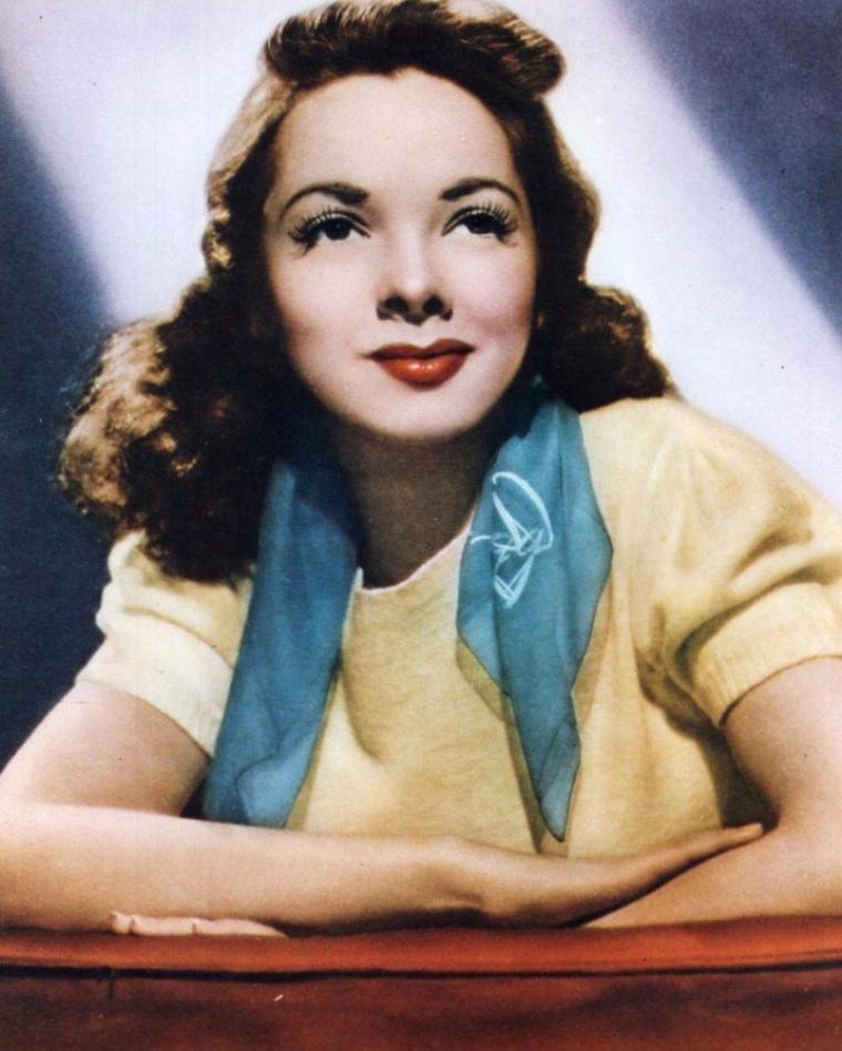 Kathryn GRAYSON, née Zelma Kathryn Elisabeth HEDRICK, est une actrice et chanteuse américaine née le 9 février 1922 à Winston-Salem (Caroline du Nord) et morte le 17 février 2010 à Los Angeles (Californie).