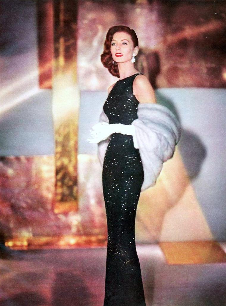 Suzy PARKER (28 Octobre 1932 - 3 Mai 2003) était une actrice et mannequin américaine débutant en 1947.