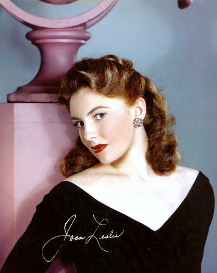 Joan LESLIE est une actrice américaine née le 26 janvier 1925 à Détroit, Michigan (États-Unis).