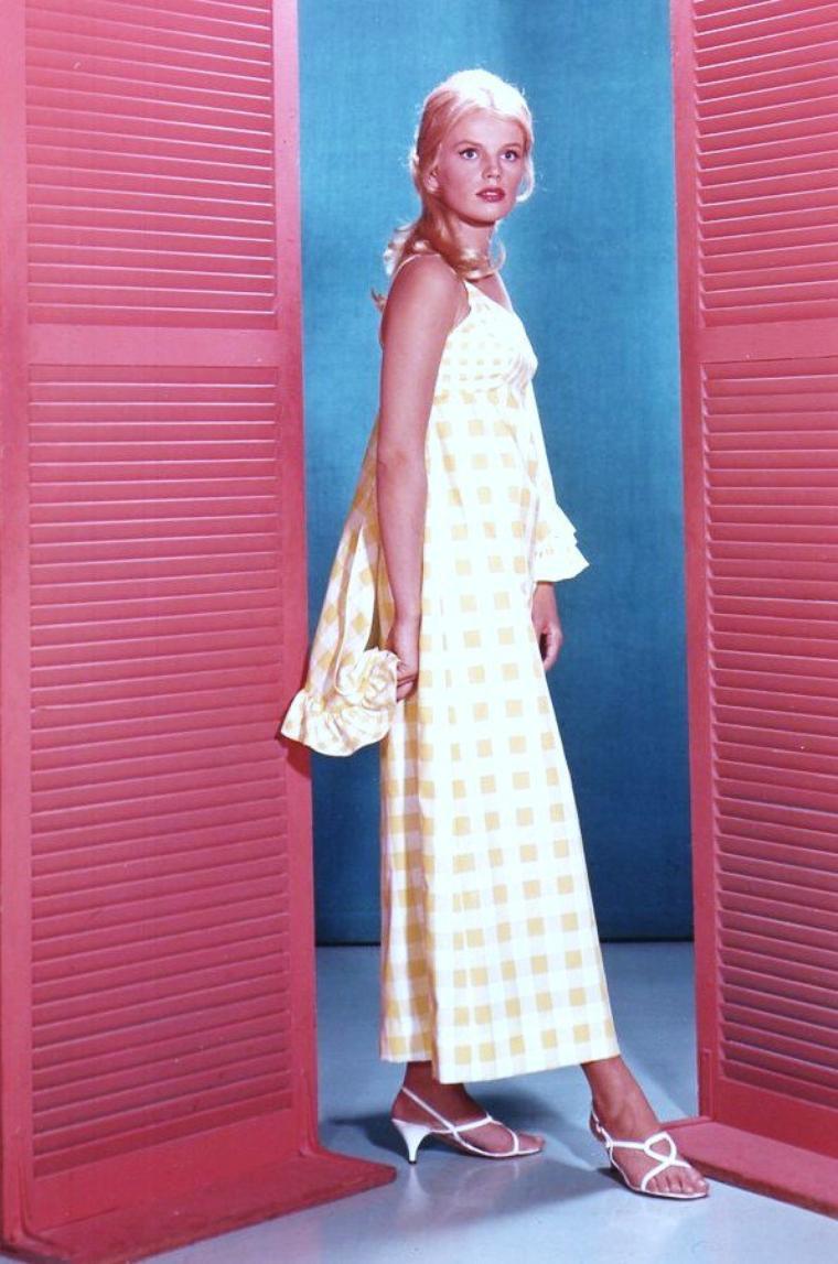 Marta KRISTEN est une actrice américaine née le 26 février 1945 en Norvège.