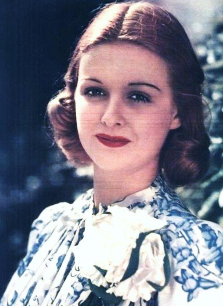 Joan BENNETT née le 27 février 1910 à Palisades (New Jersey) et décédée le 7 décembre 1990 à Scarsdale (New York) d'une crise cardiaque, était une actrice et productrice américaine.