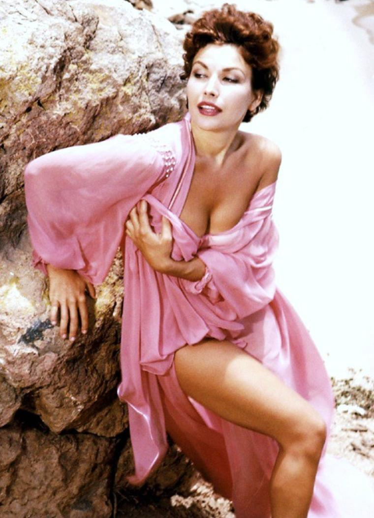Marilyn Joan WATTS dite Mara CORDAY née le 3 Janvier 1930 est un modèle et actrice américain