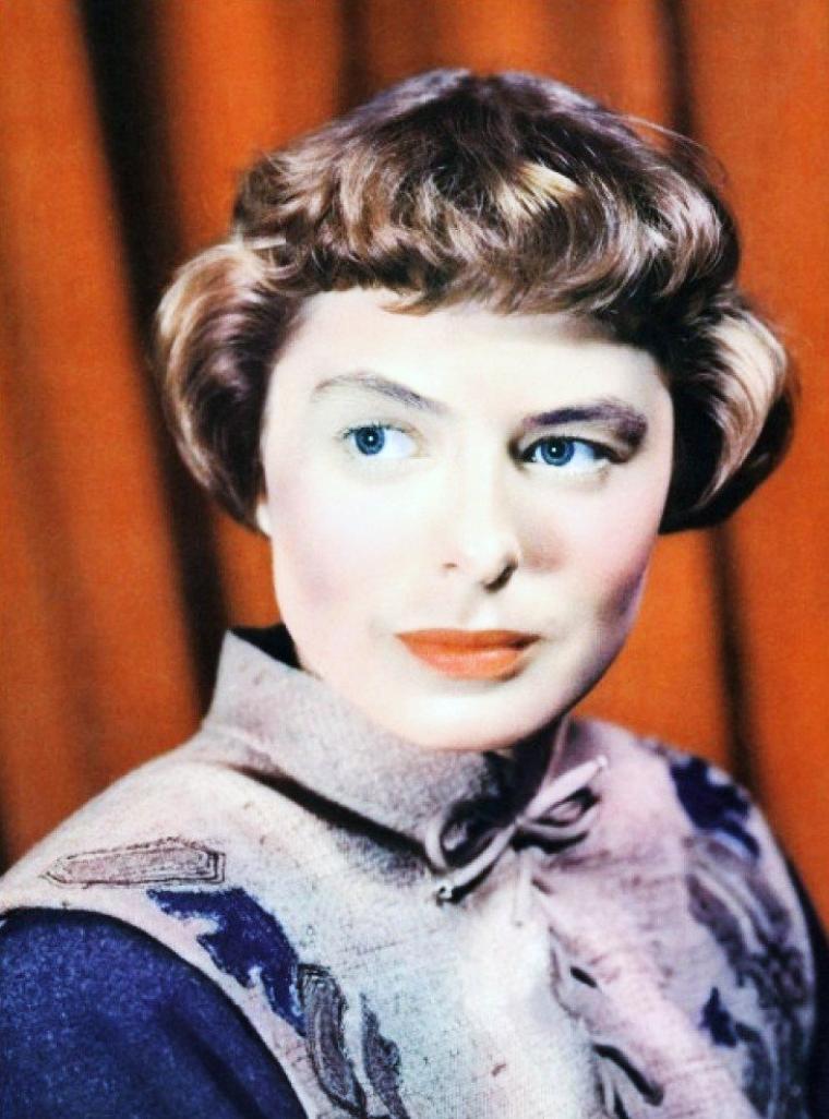 Ingrid BERGMAN incarne Jeanne d'Arc dans le film du même nom de Victor FLEMING en 1948