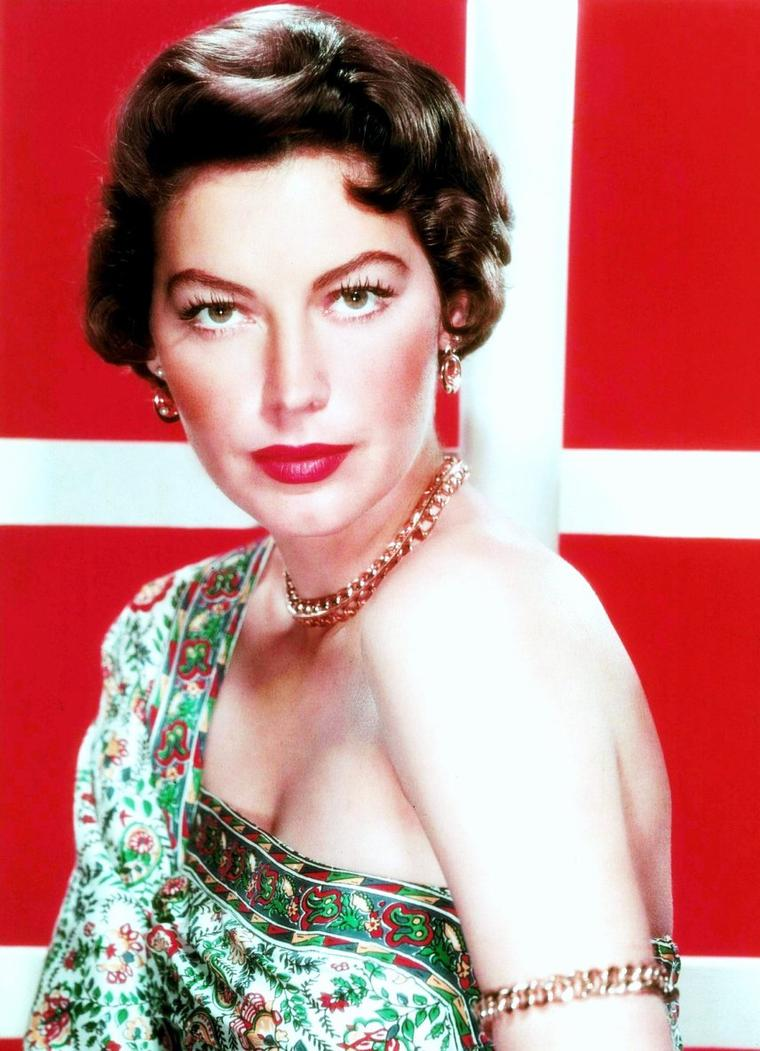 "BONUS photos du ""plus bel animal du monde"", Ava GARDNER"